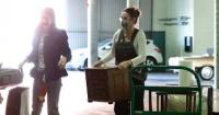 ديمى مور أثناء شراء أثاث منزلي بصحبة ابنتها من بروس ويلز بذروة كورونا صور