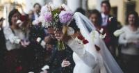 عروس تطالب المدعوين بكتابة مقالين من 500 كلمة لحضور زفافها اعرف القصة