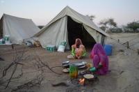 مركز الملك سلمان يوزع 92 طن ا أغذية لمتضرري السيول في باكستان