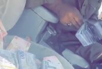 شرطة تبوك القبض على وافد ظهر في مقطع فيديو بحوزته مبالغ نقدية كبيرة
