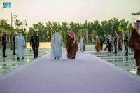 ولي العهد يستقبل الشيخ محمد بن زايد بمطار الملك عبدالعزيز الدولي