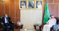 السفير ال جابر يلتقي بسفير الفرنسي لدى اليمن