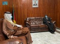 سفير المملكة ووزير الداخلية الكاميروني يبحثان تعزيز العلاقات