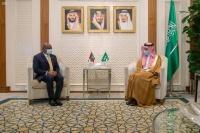 فيصل بن فرحان يبحث مع وزير خارجية المالديف القضايا الإقليمية
