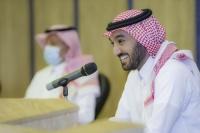 وزير الرياضة يناقش مع أندية المحترفين و الأولى سبل تطوير إستراتيجية دعم الأندية