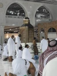 توزيع نصف مليون وجبة إفطار صائم بالمسجد الحرام