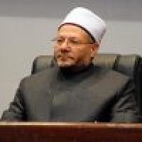 مفتي مصر يهنئ خادم الحرمين الشريفين بنجاح العملية الجراحية وموسم الحج