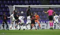 ضربة رأس تقود ريال مدريد للفوز على بلد الوليد وتقلص الفارق مع أتليتيكو