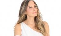 هكذا أصبح شكل دينا عازار بعد 25 عاما على انتخابها ملكة جمال لبنان