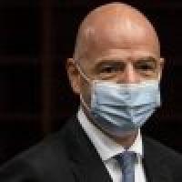 إصابة رئيس فيفا بكورونا