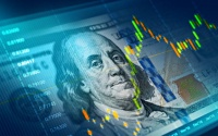 الدولار الأمريكي يهبط أمام العملات الرئيسية