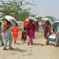 مركز الملك سلمان يواصل توزيع السلال الغذائية الرمضانية في بلوشستان