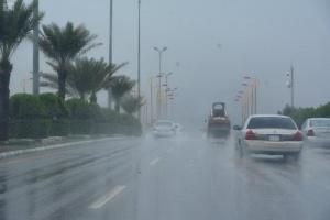 طقس اليوم.. أمطار رعدية ورياح نشطة على سبع مناطق